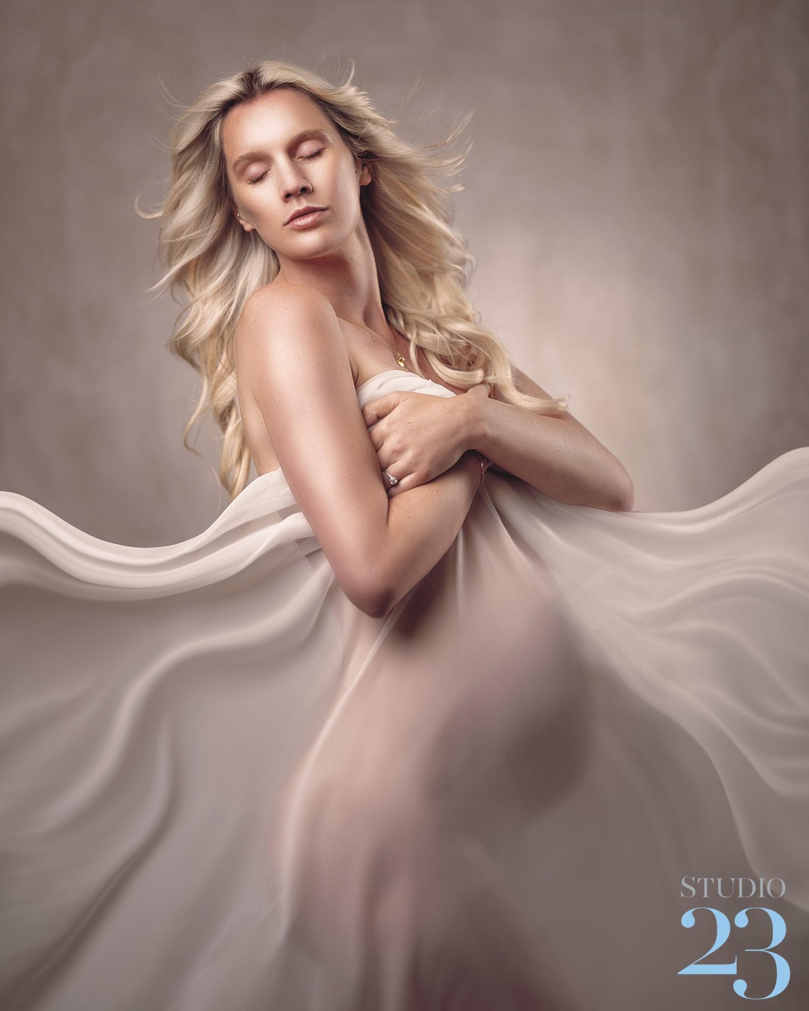 Kiera Maternity   Studio Lighting Techniques for Photographers